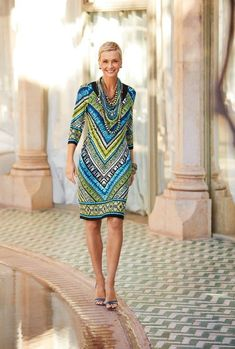 Best Outfits For Women Over 50 - Fashion Trends Over 50 Womens Fashion, 50 Fashion, Fashion Over 40, Fashion Dresses, Fashion Looks, Fashion Trends, Fashion Online, Autumn Fashion, Chicos Fashion