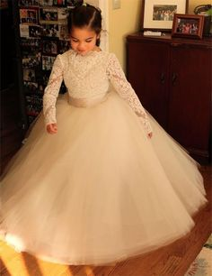 Puffy White Ivory Tulle Flower Girl Dresses Lace Appliques Flower Girl Dresses With Sashes,Long Sleeves Girl Pageant Gowns Junior Bridesmaid Dress
