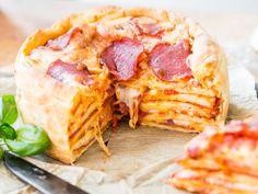 Leckerer Hochstapler: So backst du saftigen Pizza Cake