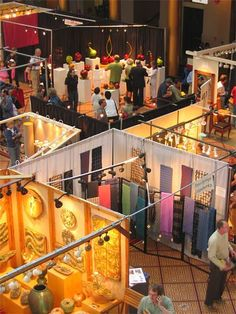 Analyse photos of some great craft booths to discover why they work at http://www.inspiri-art-and-craft.com/craft-show-display.html.