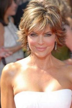 Yearning for Lisa Rinna hairstyles? Here are 9 Lisa Rinna hairsrtyles for short hairs. Go for it and find out 9 Lisa Rinna hairstyles for short hair. Short Shag Hairstyles, Short Layered Haircuts, Great Hairstyles, Short Hairstyles For Women, Messy Hairstyles, Layered Hairstyles, Hairstyle Short, Medium Haircuts, Layered Bobs