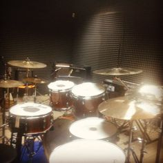 """10 Likes, 2 Comments - Davide Cabras (@beardave21) on Instagram: """"Beautiful kit tonight #drumsoutlet #office #gretschdrums #vicfirth #evansdrumheads #drums…"""""""