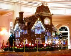 Grand Floridian Gingerbread House - Disney World - Orlando, Florida Christmas Gingerbread House, Gingerbread Cookies, Gingerbread Houses, Christmas Lights, Christmas Decorations, Holiday Decor, Christmas Goodies, Christmas Menus, Italian Christmas