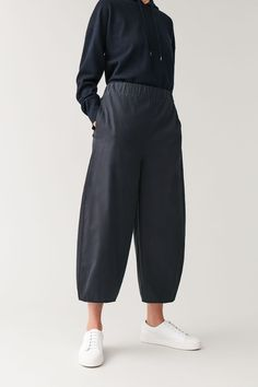 Find new ways to lounge effortlessly with our leisurewear collection for women at COS. Cos Trousers, Trousers Women, Simple Shirts, Daytime Dresses, Summer Shirts, Shirt Shop, Wide Leg, Women Wear, Pure Products