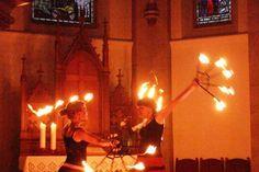 Feuershow in der Kirche (Pfingstnacht 2011 in Witten)