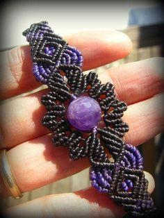 画像1: きらきらアメジストのハンドメイド手編みブレスレット*紫水晶*天然石*マクラメ: