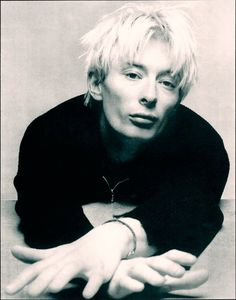 Thom Yorke // Photo by Pat Radios, Thom Yorke Radiohead, Corps Parfait, Britpop, Music Icon, Post Punk, Music Stuff, Music Bands, Music Artists