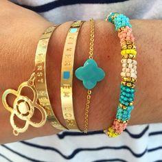 Association de doré & couleurs Bracelet en perles #nayades Trèfle sur chaine #zag  #zagbijoux  Jonc gravé & jonc avec élément #aquadila #bijoux #fantaisie #gold #jewels  #accessoires  #bracelets #fashion #moselle #lorraine #metz #nancy #luxembourg