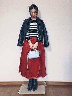 ここ最近の淡色流行りの反動でか、 ビビッドカラーに手を出してしまいました このスカートは赤は赤でも