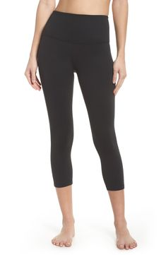 Looking for Zella Live In High Waist Crop Leggings - Fashion Women Activewear ? Check out our picks for the Zella Live In High Waist Crop Leggings - Fashion Women Activewear from the popular stores - all in one. Leggings Mode, Workout Leggings, Leggings Fashion, Leggings Style, Jeans Leggings, Jeggings, Striped Leggings, Black Leggings, House