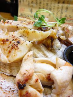 'Hotate-Shioyaki' is a Scallop broiled with salt.