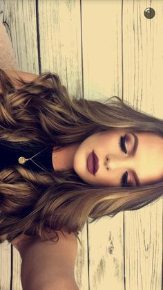 @Kyragensone  Her makeup is flawless great picture!