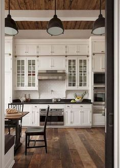 50 elegant farmhouse kitchen decor ideas (26)