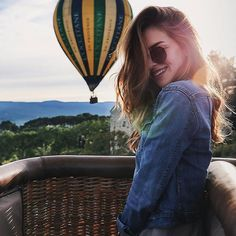 The Life and Style of Nichole Ciotti Balloons Photography, Creative Photography, Portrait Photography, Air Balloon Rides, Picture Poses, Pictures, Hot Air Balloon Festival Outfit, Hot Air Balloon Outfit, Vacation Photo