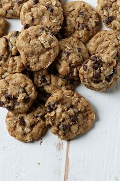 These Small Batch Mini Oatmeal Chocolate Chip Cookies are a chewy, chocolatey, and with oats, we will say they are healthy too. :) And this batch makes just the right amount for two people. Oatmeal Chocolate Chip Cookie Recipe, Chocolate Chip Oatmeal, Mini Chocolate Chips, Chocolate Cookies, Oatmeal Cookies, Gooey Cookies, Cookie Recipes, Baking Recipes, Bar Recipes