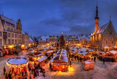 世界遺産の街並がファンタスティック!歩くだけで幸せになれそうな冬景色