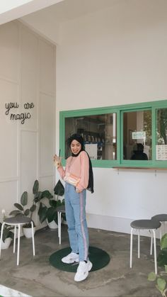 Casual Hijab Outfit, Ootd Hijab, Hijab Chic, Casual Outfits, Fashion Outfits, Women's Fashion, Pastel Outfit, Hijab Fashion Inspiration, Poses For Photos