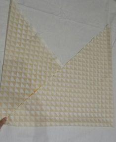 Un sac cabas XXL réversible Dyi, Blanket, Diy Sac, Dressing, Crochet, Ideas, Scrappy Quilts, Tuto Couture Facile, Crochet Hooks