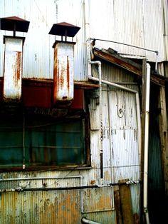 トタンアート : STEORE 素敵が俺を呼んでいる You Are Beautiful, Urban Decay, Layout Design, Abandoned, Japan, Rustic, Retro, Abstract, Architecture