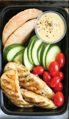 Meal Prep Like a Pro - Dinner Recipes - Starbucks copycat chicken and hummus protein lunch healthy lunch recipes Lunch Snacks, Clean Eating Snacks, Lunch Recipes, Healthy Eating, Dinner Recipes, Diet Lunch Ideas, Heathly Lunch Ideas, Easy Healthy Lunch Ideas, Lunch Ideas Work