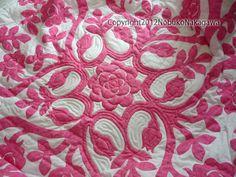 Na Uhane o Hawaii Kuiki: Nobuko Nakagawa  先生のベッドカバー♪ 白地にピンクですっごく可愛いです。