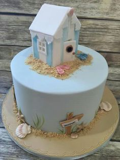 Beach hut cake - love it! Beach Hut Cake, Surfer Cake, Beach Themed Cakes, Theme Cakes, Housewarming Cake, Boat Cake, Nautical Cake, Sea Cakes, 60th Birthday Cakes