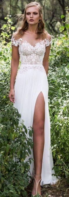 Elegant Beach Wedding Dresses Ideas For Perfect Wedding 588