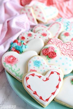 Looking for a great Valentine's Day sugar cookie recipe? These classic sugar cookies are decorated with royal icing in a variety of gorgeous Valentine's Day designs. They make wonderful edible gifts! Cookie Frosting Recipe, Sugar Cookie Frosting, Royal Icing Cookies, Frosting Recipes, Dessert Recipes, Easter Recipes, Valentines Day Cookies, Birthday Cookies, Decorated Sugar Cookies