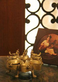 Antique brass vermilion container (http://theeastcoastdesi.blogspot.com/)
