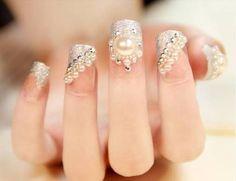 nail tips at home Baking Soda Pearl Nail Art, Pearl Nails, Glitter Gel Nails, Diy Nails, Nail Patch, Gel Nails Shape, Colored Nail Tips, Neutral Nail Color, Gel Nail Tips