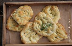 U nás na kopečku: italský chléb focaccia Bread Recipes, Vegan Recipes, Snack Recipes, Snacks, Coleslaw, Quiche, Deserts, Health Fitness, Food And Drink