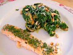 Wildlachs an Blattspinat mit Champignons, Parmesan und Cashewkernen, ein tolles Rezept aus der Kategorie Dünsten. Bewertungen: 4. Durchschnitt: Ø 3,5.