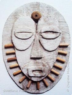 Маски из картона.   Страна Мастеров Cardboard Mask, Cardboard Sculpture, Cardboard Crafts, Sculpture Art, Paper Crafts, African Art Projects, African Pottery, Masks Art, 3d Laser