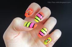 2NE1's Bom nails in I LOVE YOU