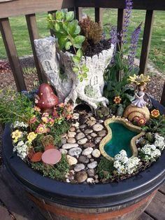 Fairy Garden in one of the fun ways of decorating gardens by using broken pots, wood pieces, planter's soil and other wrecked items. It creates a miniature fantasy garden with the help of unusable items. Garden Amazing Fairy Garden Ideas One Should Know Indoor Fairy Gardens, Fairy Garden Plants, Mini Fairy Garden, Fairy Garden Houses, Gnome Garden, Miniature Fairy Gardens, Garden Crafts, Garden Projects, Garden Art