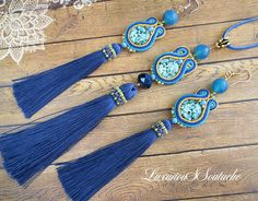 Long silk tassel pendant with blue agate. Ribbon Jewelry, Bead Embroidery Jewelry, I Love Jewelry, Jewelry Sets, Jewelry Making, Soutache Pendant, Soutache Earrings, Long Tassel Earrings, Tassel Necklace