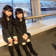 Yume JunaさんはInstagramを利用しています:「実はハッピーママフェスタのファッションショーが終わってからすぐにセントレアへ向い2泊3日で鹿児島へ行ってました。 #姉妹 #姉妹コーデ #姉妹お揃い #2歳差姉妹 #sister #中部国際空港 #セントレア #ジェットスター #ジェットスタージャパン #jetstar…」 Little Girl Models, Little Girl Fashion, Child Models, Kids Fashion, Cute Asian Babies, Asian Kids, Cute Asian Girls, Pretty Girls, Young Japanese Girls