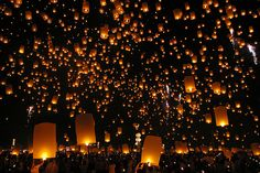 Chiang Mai Yi Peng Festival, Thailand   November (must do this in 2013)