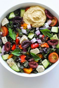 Healthy Lunch: Veggie-Filled Greek Hummus Power Bowl