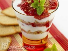 Málnás-piskótás pohárkrém Tiramisu, Pudding, Ethnic Recipes, Sweet, Desserts, Food, Candy, Tailgate Desserts, Deserts