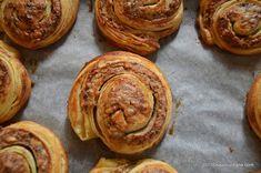 Melcisori cu nuca reteta vieneza | Savori Urbane Dessert Recipes, Desserts, Pancakes, Muffin, Breakfast, Food, Tailgate Desserts, Morning Coffee, Deserts