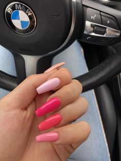 Semi-permanent varnish, false nails, patches: which manicure to choose? - My Nails Summer Acrylic Nails, Best Acrylic Nails, Aycrlic Nails, Hair And Nails, Coffin Nails, Stiletto Nails, Nagellack Design, Funky Nails, Fire Nails