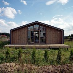The pitched roof of Anna Gor's house outside Nizhny Novgorod, Russia, is a signature of the DublDom modular system.
