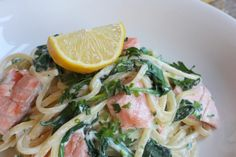 Recept: Snelle pasta met spinazie, kruidenkaas en zalm // Lovely article selected by MommyInTheCity.