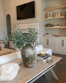 Beige Living Rooms, Home Living Room, Living Room Decor, Living Room Inspiration, Home Decor Inspiration, Rh Home, Deco Table, Fashion Room, Beautiful Interiors