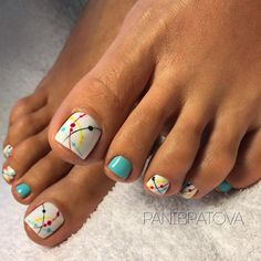 Sometimes fabulous nails are exactly that one last thing missing on the way to the creation of the unique look. Check out our ideas for your toes! Pretty Nail Designs, Colorful Nail Designs, Toe Nail Designs, Glitter Pedicure Designs, Toe Nail Color, Toe Nail Art, Nail Colors, Pretty Toe Nails, Cute Toe Nails