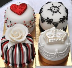 Royal Iced Mini Cakes