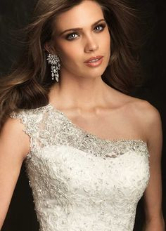 Delicate Tulle & Satin One Shoulder Neckline Trumpet Wedding Dress With Lace Appliques & Beadings Mermaid Trumpet Wedding Dresses, Used Wedding Dresses, Bridal Dresses, Weeding Dresses, Long Dresses, Mermaid Wedding, Allure Bridal 2014, Bridal 2015, One Shoulder Wedding Gowns