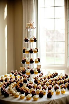 Cupcake Tower for Wedding. because I hate cake and love cupcakes! Love Cupcakes, Wedding Cakes With Cupcakes, Cupcake Cakes, Wedding Cupcakes Display, Cupcake Table Displays, Cupcake Display, Wedding Cupcake Table, Wedding Desserts, Buffet