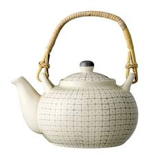 Grey Carla Teapot design by BD Edition Teapot Design, Perfect Cup Of Tea, Deco Originale, Ceramic Teapots, Tea Accessories, Kitchen Accessories, Joss And Main, Kitchen Dining, Dining Rooms